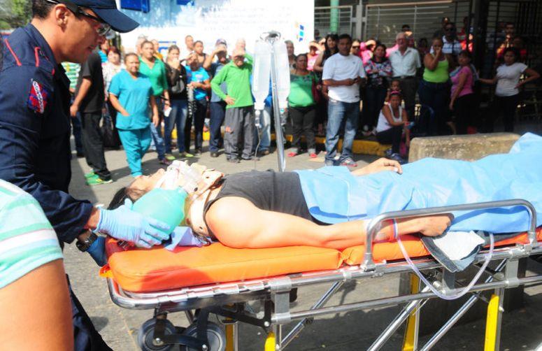 Emergencias-Hospital-Barquisimeto-CastroEl-Informador_NACIMA20130125_0616_3