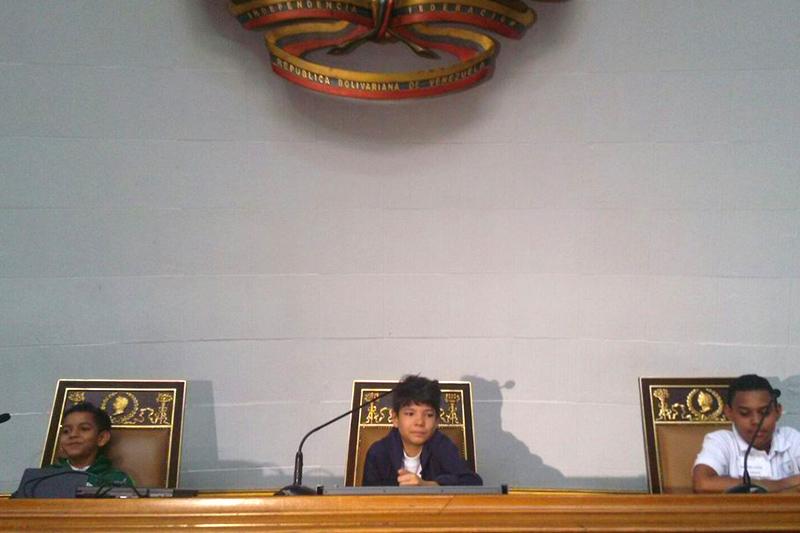 visitas-guiadas-niños-en-asamblea-Mariely-MArquez-sumarium-5