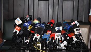 Resultado de imagen para venezuela radios cerradas